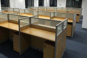 成都办公室装修如何选购家具?